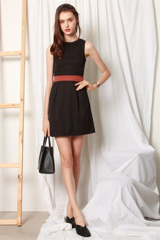 ACW Colourblock Box Pleats Dress in Black