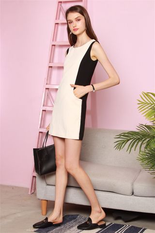 Colour Panels Pocket Shift Dress in Black