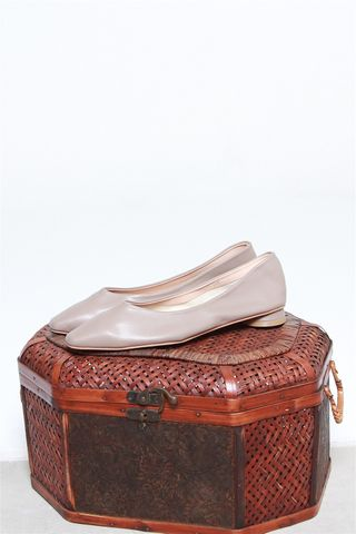 Classic Leather Flats in Taupe