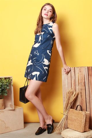 Abstract Swirl Pocket Shift Dress  in Navy