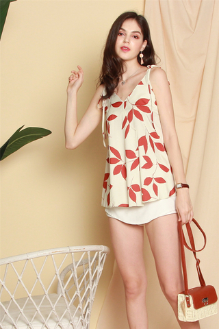 Tropic Floral Knotted Top in Red