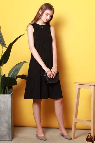 ACW Tiered Midi Knit Dress in Black