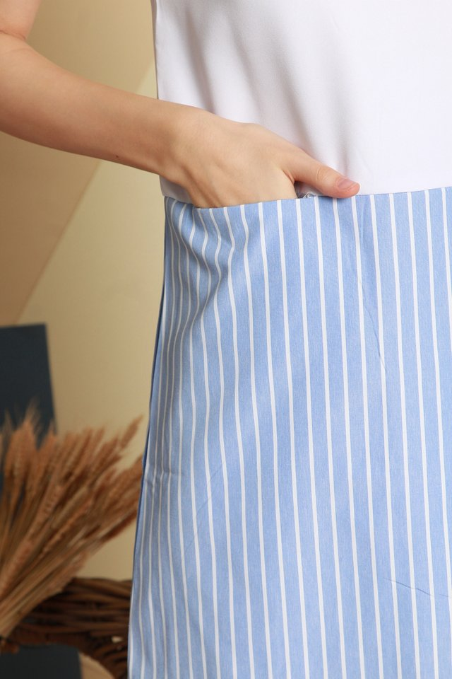 Colourblock Pinstripe Shift Dress in White-Blue