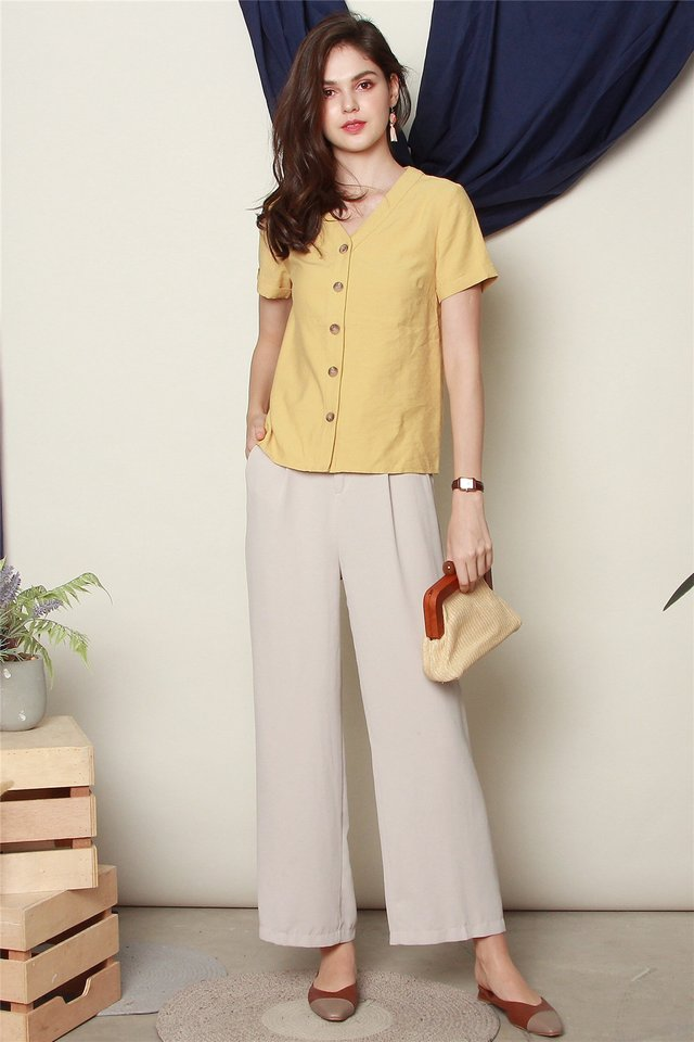 ACW Basic Button Down Sleeve Top in Daffodil