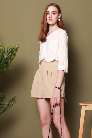Belted Basic Shorts in Khaki
