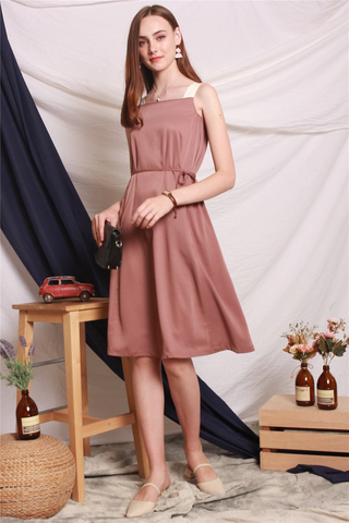 ACW Colourblock Cut In Sash Midi Dress in Mauve