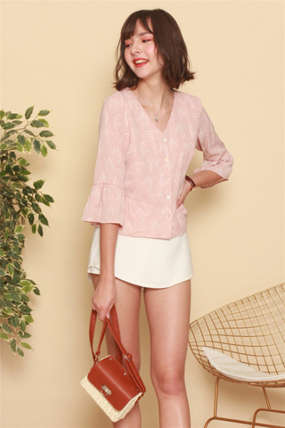 Printed Flutter Sleeve Top in Dusty Pink