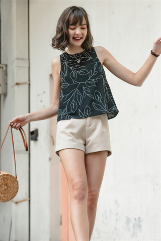 ACW Printed Shell Top in Black