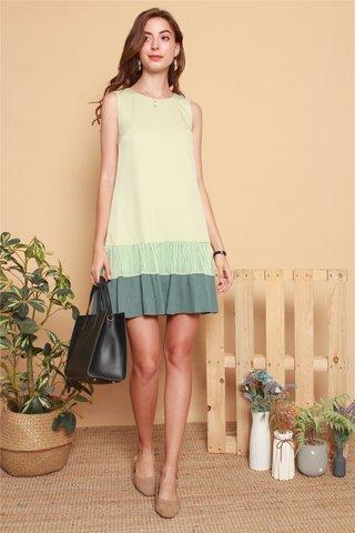 Textured Pleats Colourblock Shift Dress in Matcha