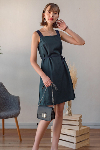 Colourblock Strap Sash Dress in Emerald