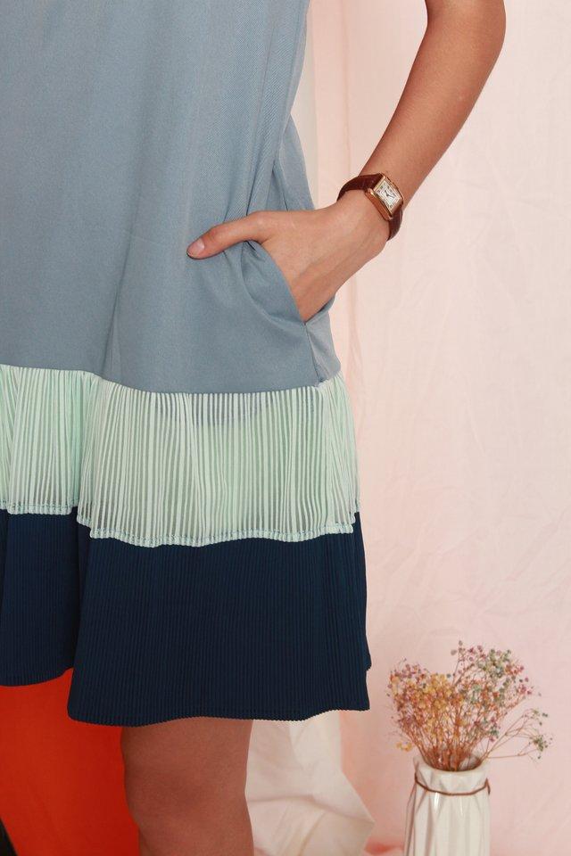 Textured Pleats Colourblock Shift Dress in Dusty Blue