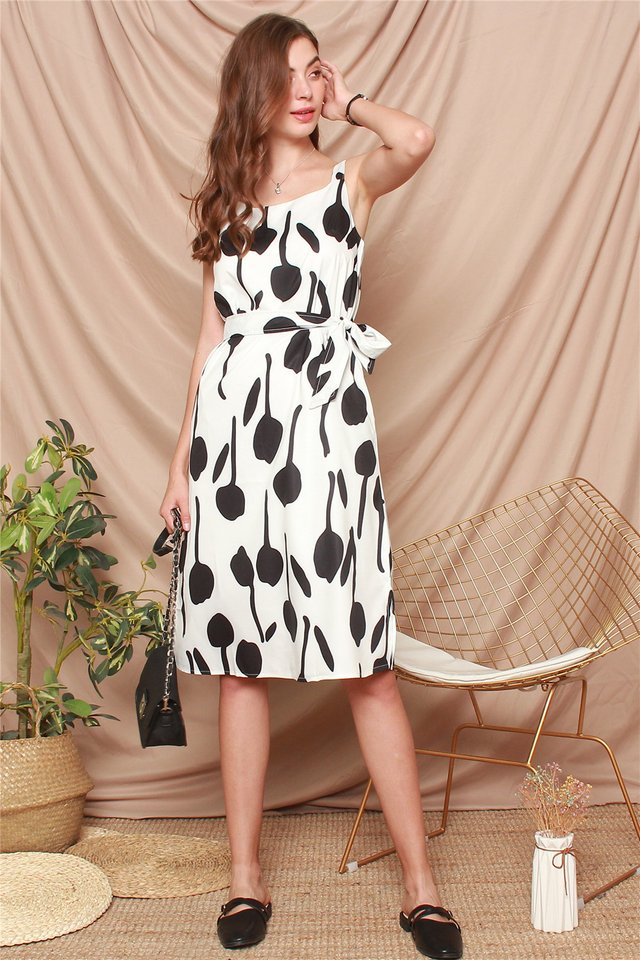 Monochrome Printed Midi Sash Dress in White