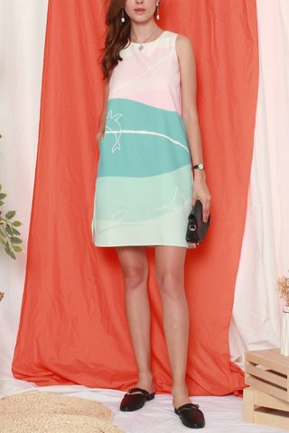 *BACK IN STOCK* Straight Cut Shift Dress in Mint Whale Prints