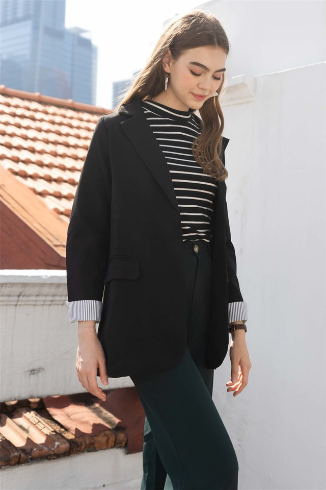 Oversized Tweed Blend Blazer in Black