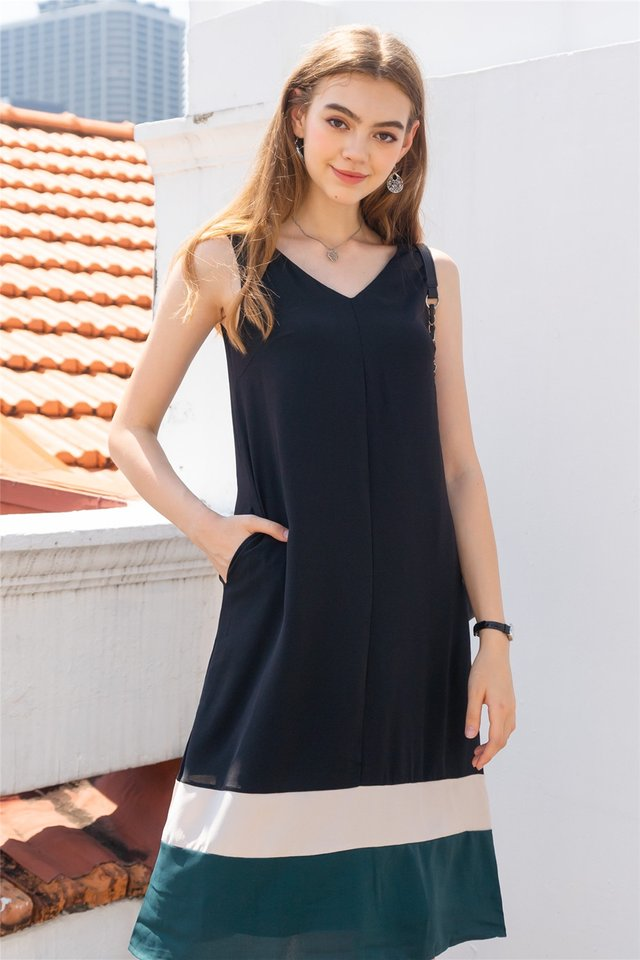 ACW Triple Colourblock Flowy Midi Dress in Black