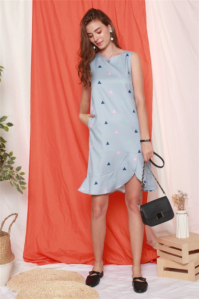 Triangle Prints Curved Hem Dress in Blue