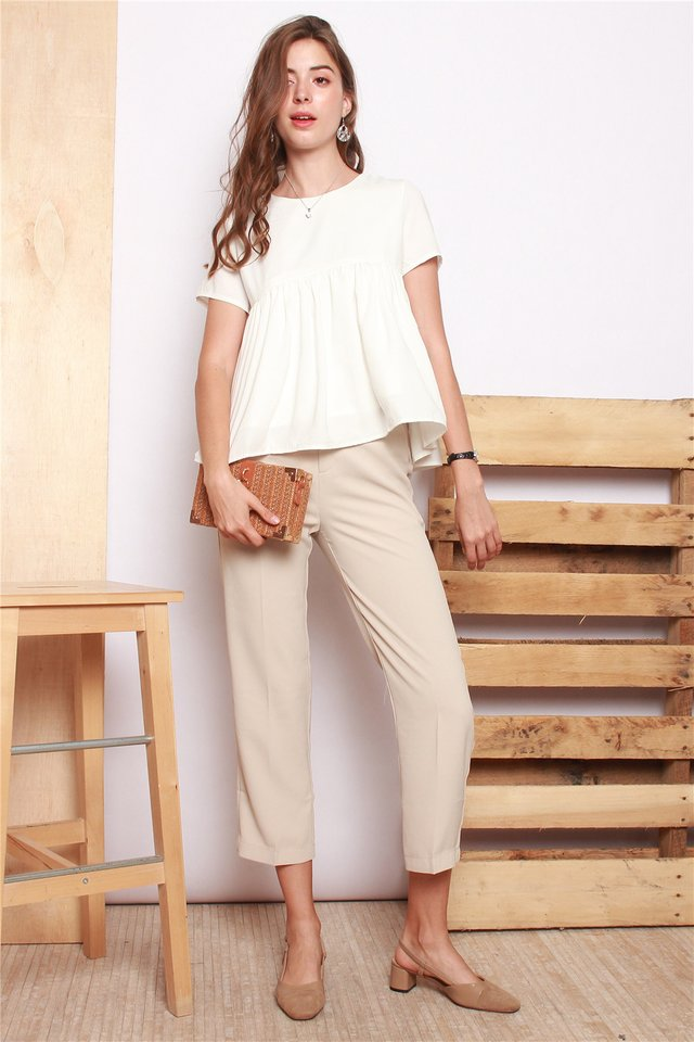 Straight Cut Classic Pocket Trousers in Sand