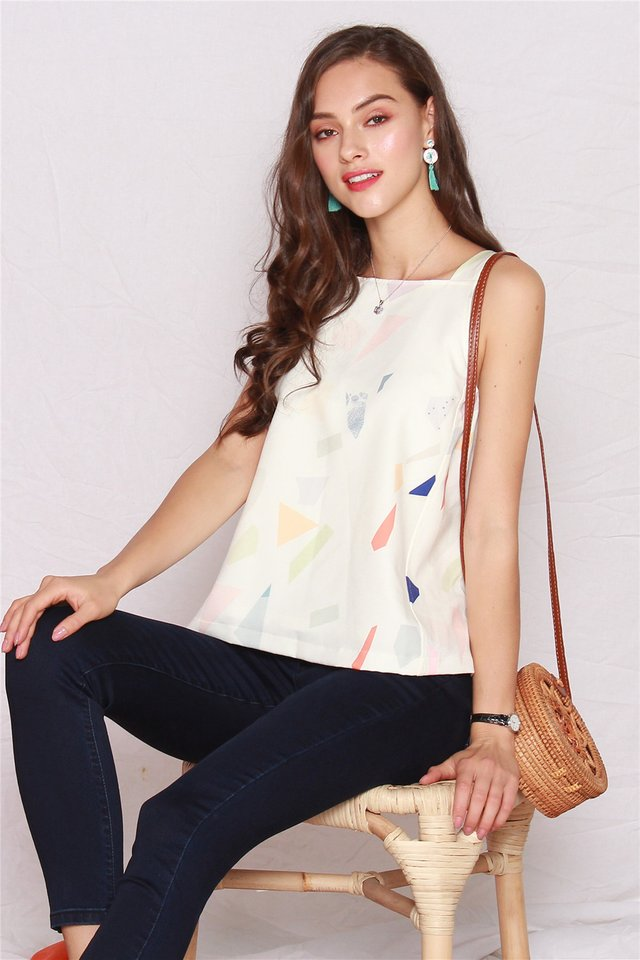ACW Coloured Shapes Cut In Top in White