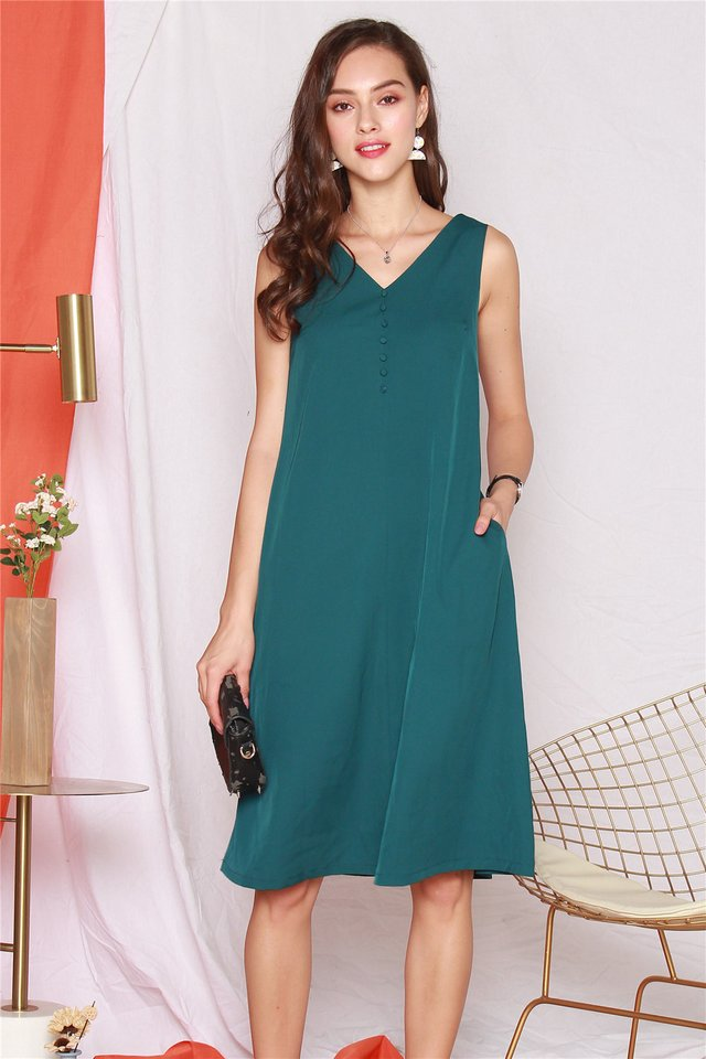 ACW Button Flowy Midi Dress in Emerald
