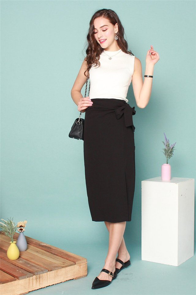 Tie Front Midi Slit Skirt in Black