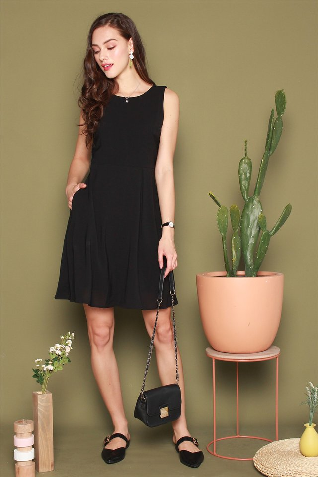 Boat Neck Swing Dress in Black