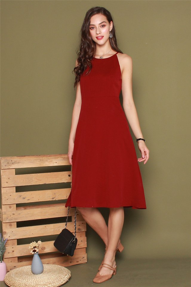 Front Pleats Midi Swing Dress in Wine