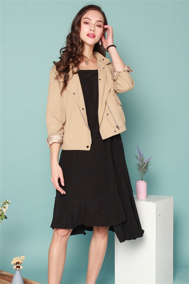 Relaxed Button Jacket in Khaki