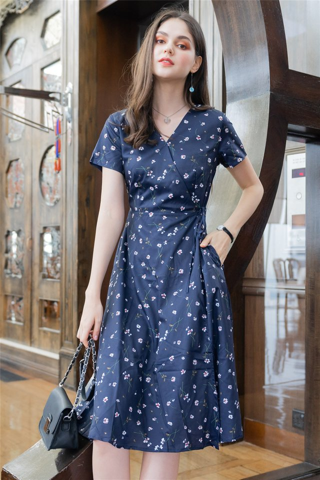 *Backorder* Fleur Floral Wrap Midi Swing Dress in Navy
