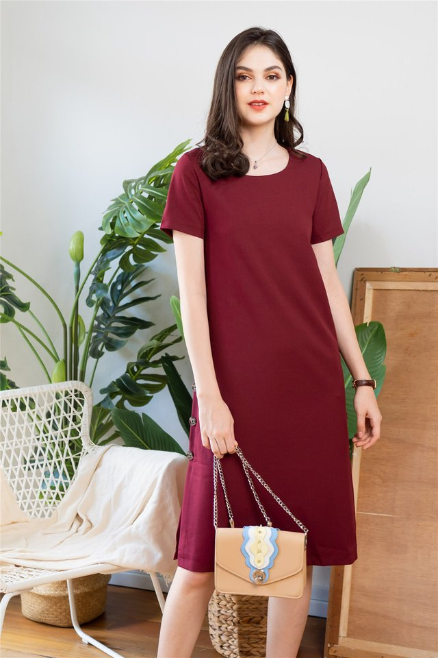 Button Panel Midi Sleeve Dress in Wine