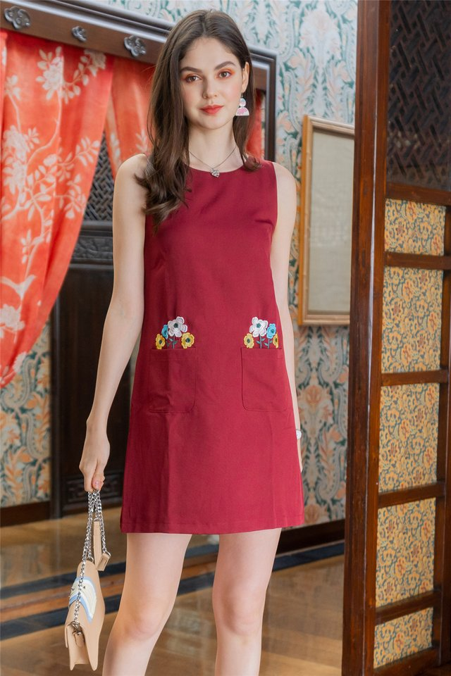 Blooming Embroidery Pocket Shift Dress in Wine