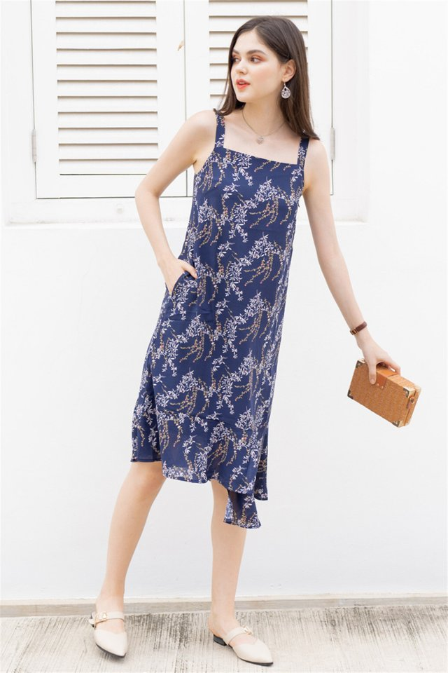 ACW Tiered Hem Midi Dress in Navy Wheat Florals