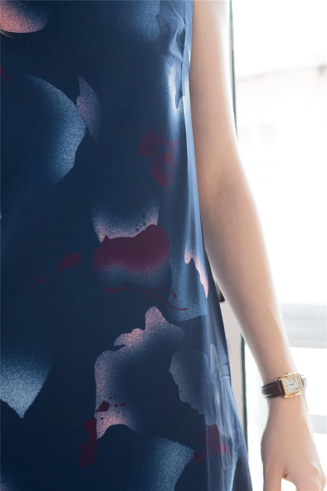 Watercolour Prints Midi Dress in Navy