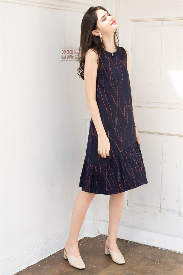 Sketch Lines Pleated Hem Midi Dress in Navy