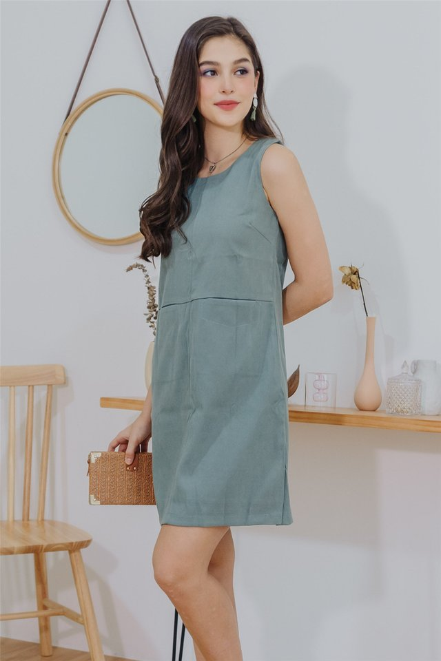 Double Pocket Shift Dress in Seafoam