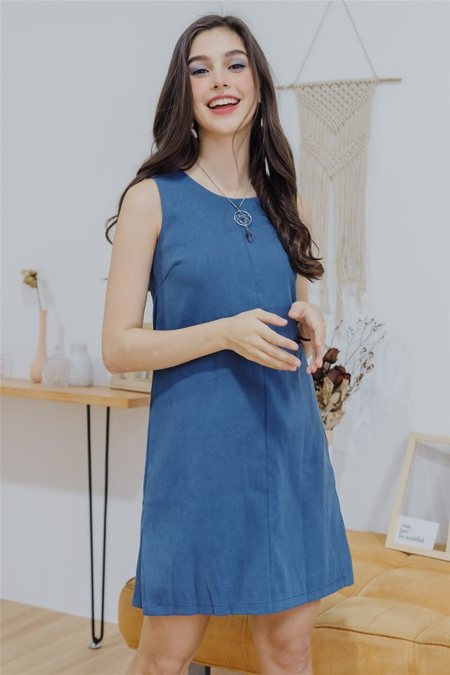 Double Pocket Shift Dress in Ash Blue