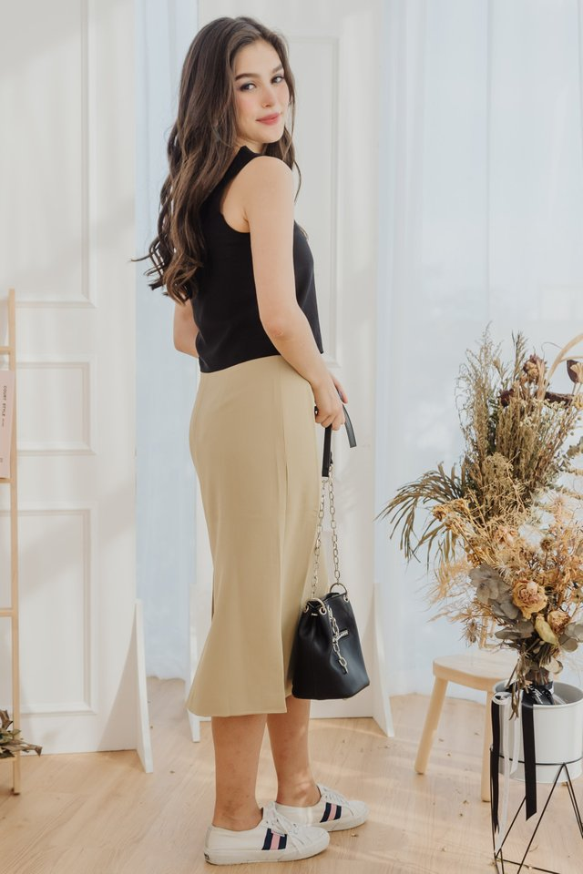 Classic Midi Pencil Skirt in Daffodil