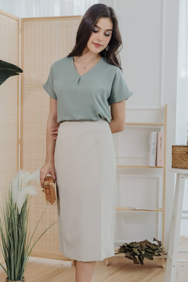 Classic Midi Pencil Skirt in Ivory