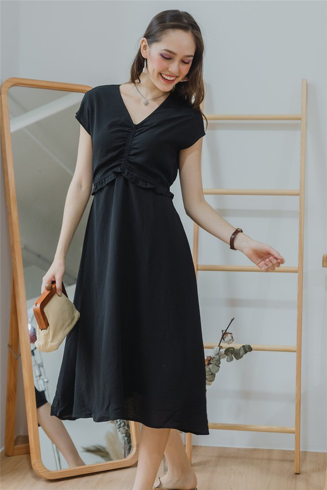 ACW Ruched Front Twisted Midi Dress in Black