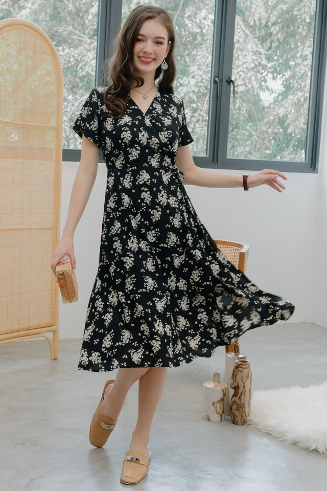 ACW Blooming Daisies Swing Midi Dress in Black