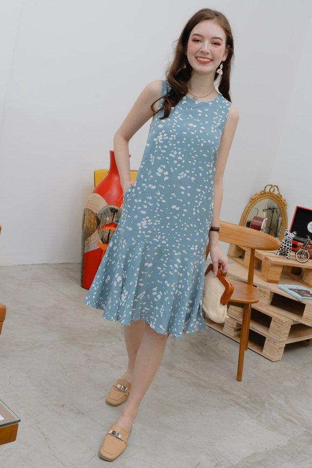 Speckle Print Drop Hem Midi Dress in Dusty Blue