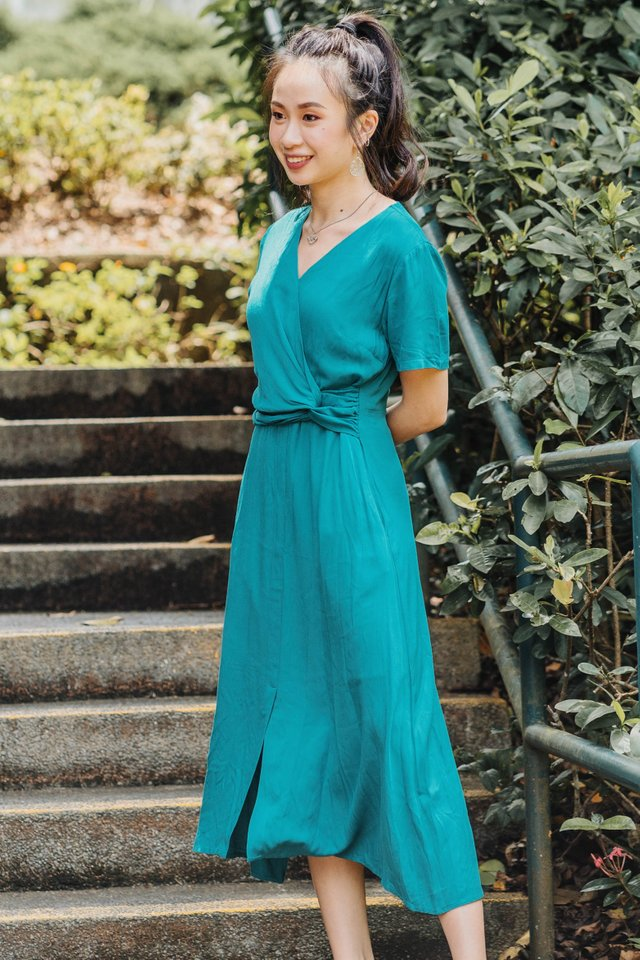 ACWxClara Knot Detail Midi Dress in Emerald
