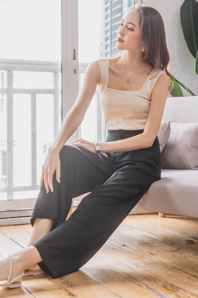 Straight Cut Zipper Trousers in Black