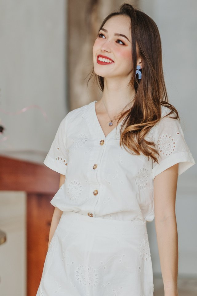 *BACK IN STOCK* ACW Eyelet Button Down Sleeve Top in White