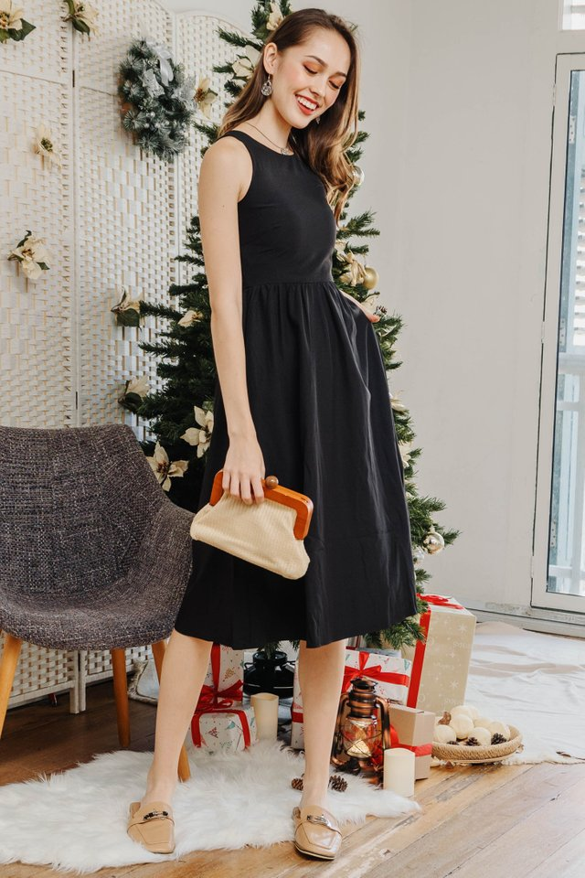 Cut in Basic Midi Skater Dress in Black